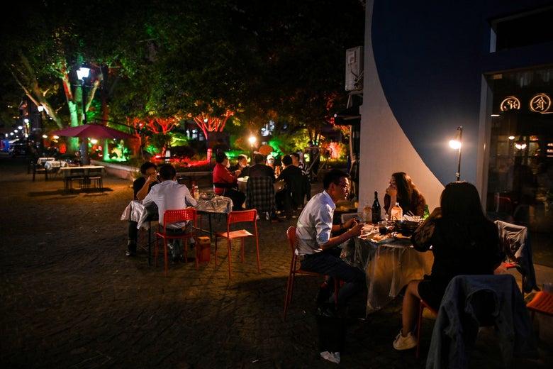 restaurant parking lot dining tips parking lot lighting restaurants