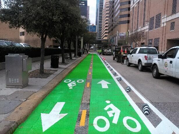 San Antonio Upgrades with Innovative Cycle Tracks