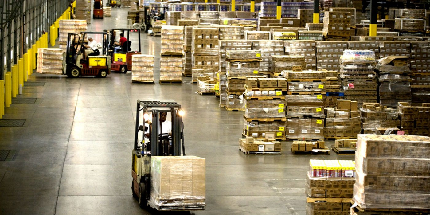 autonomous vehicles used in distribution centers and warehouses to help drive e-commerce us commerce