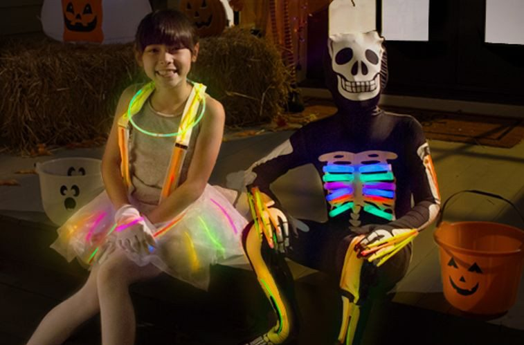 10 Tips To Protect Kids From Cars While Trick Or Treating