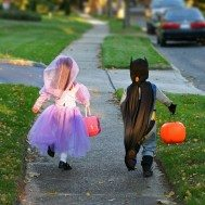 10 Tips to Protect Kids from Cars While Trick-or-Treating